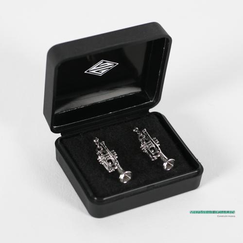 Earrings silvered 3D trumpet