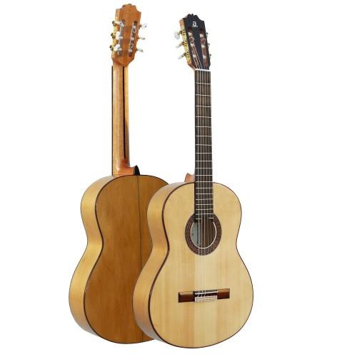 Guitar Admira F4 Flamenca
